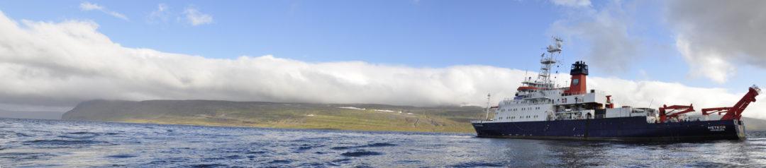 FS METEOR in Ísajarðardjúp