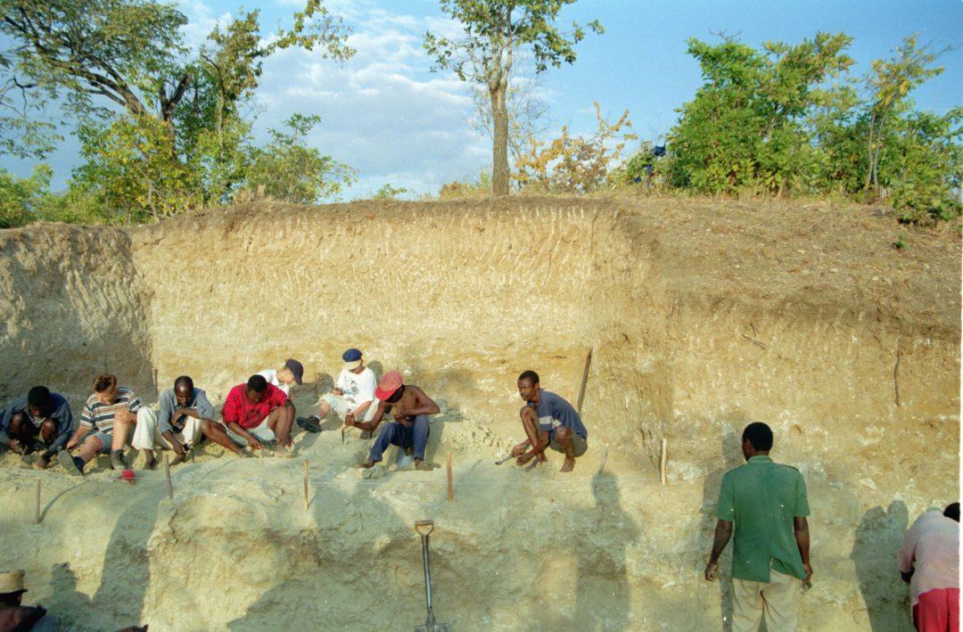 2-1-Abb1 Grabung Malawi