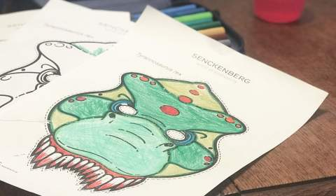 Dinomaske