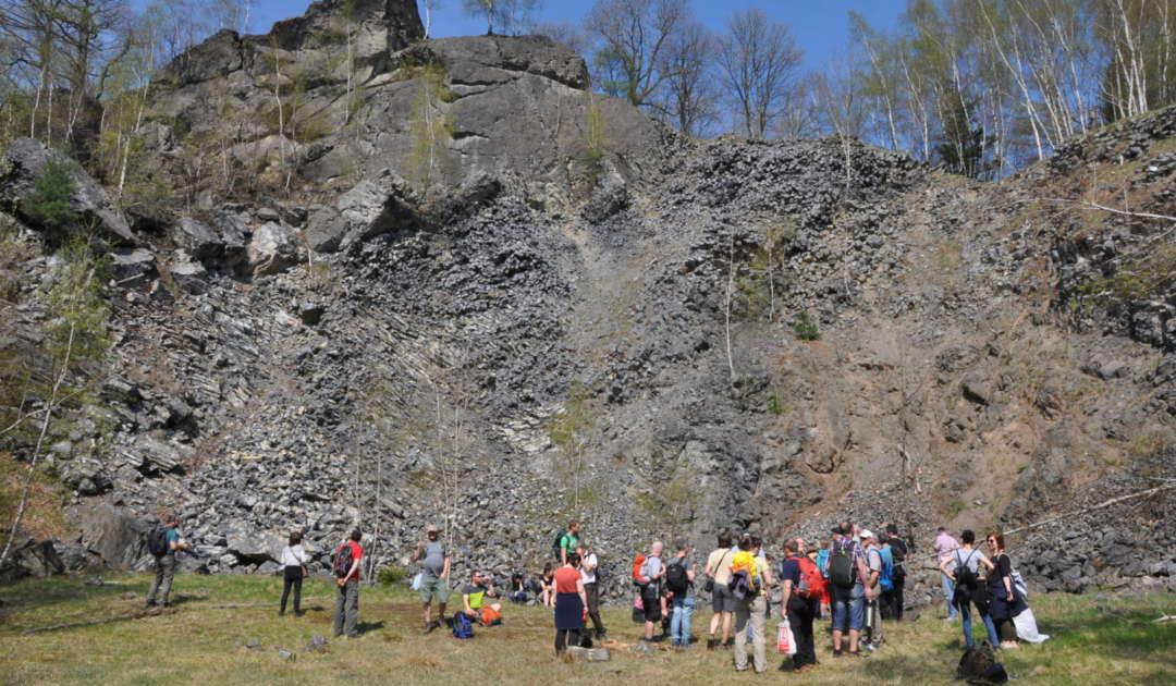Ehemaliger Steinbruch am Stříbrný vrch (CZ)