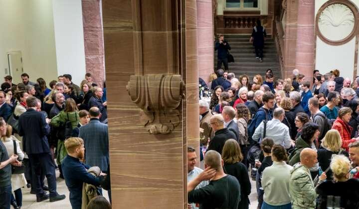 Ausstellungseröffnung Making Crises Visible